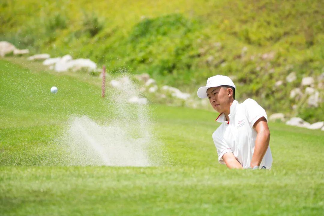 2020汇丰全国青少年高尔夫冠军赛 于珠海  曹心羽 男女组领先