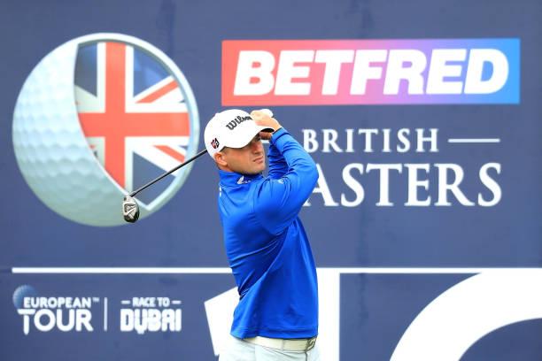 欧巡赛之英国大师赛本周在克洛斯屋高尔夫俱乐部开战 苏格兰球手大卫-劳以7个小鸟球0柏忌的表现排名第一位